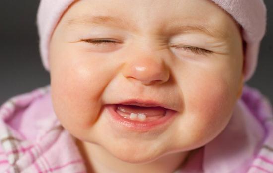 Nhận biết trẻ thiếu Canxi để bổ sung Canxi cho bé kịp thời