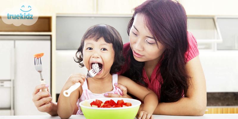 Trẻ biếng ăn phải làm sao: Bí quyết của chuyên gia dinh dưỡng Pgs Ts Bs Lê Bạch Mai