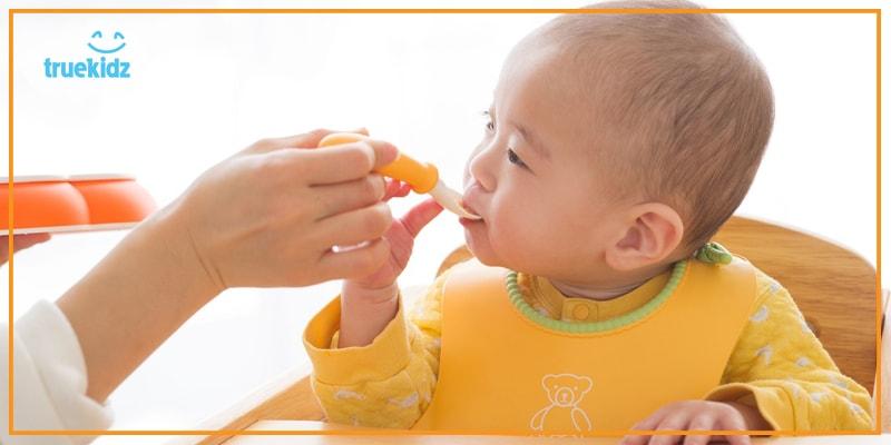 Nấu đồ ăn dặm cho trẻ có cần cho muối?