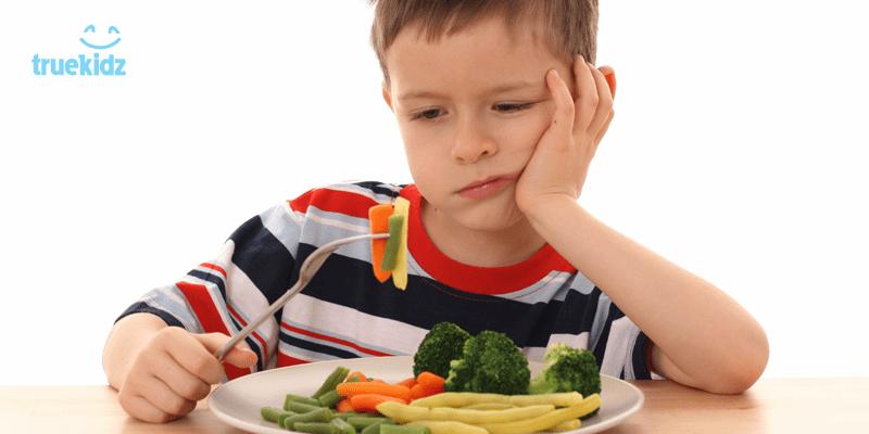 """Chuyên gia kết tội cha mẹ là nguyên nhân """"tại sao trẻ biếng ăn"""""""