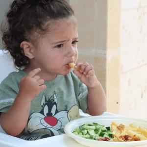 Nỗi lòng người mẹ: Trẻ biếng ăn làm thế nào để khắc phục?